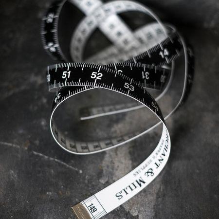 Mètre ruban couture noir et blanc 150 cm