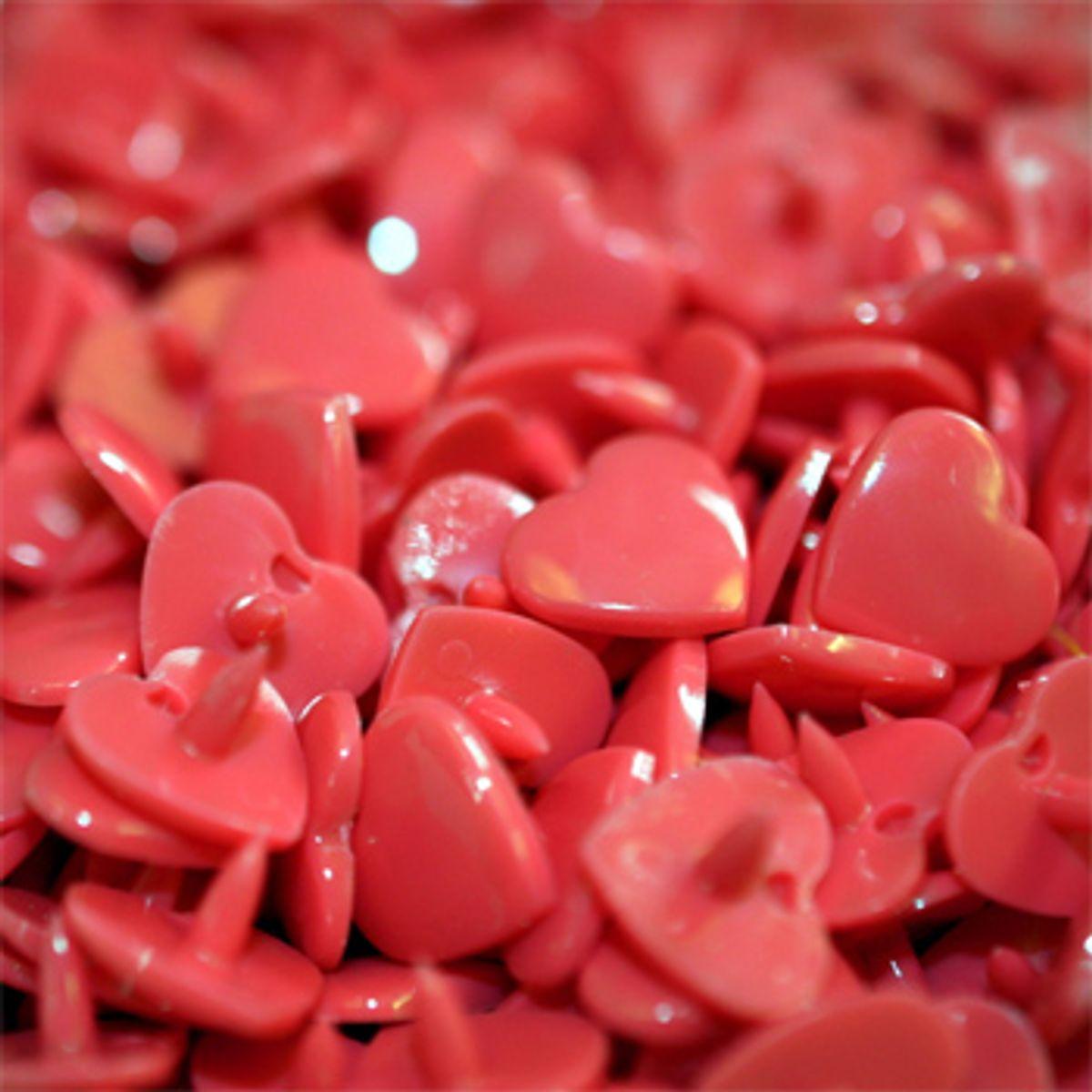 Sachet de 25 pressions résine coeurs - Rouge